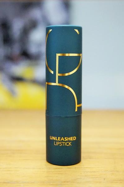 tellmeyblog - gilded cage unleashed lipstick #107 sparkling mauve (2)
