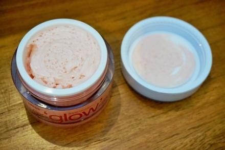 tellmeyblog - Bliss Triple Oxygen Ex-`glow'-sion Vitabead-infused Moisture Cream (3)
