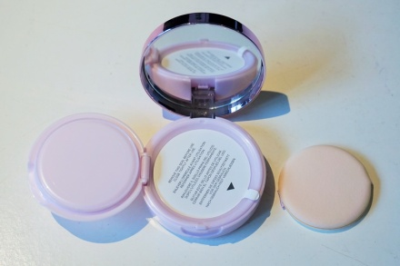 tellmeyblog - L'Oreal Paris Nude Magique Cushion Foundation (4)