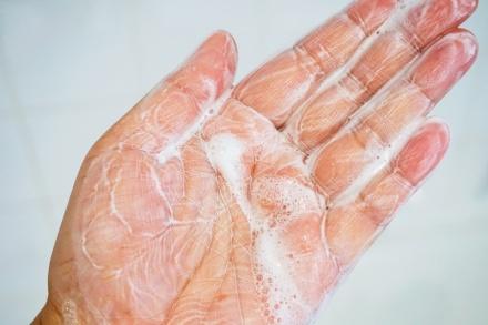 tellmeyblog-la-roche-posay-sensi-white-foaming-cream-6